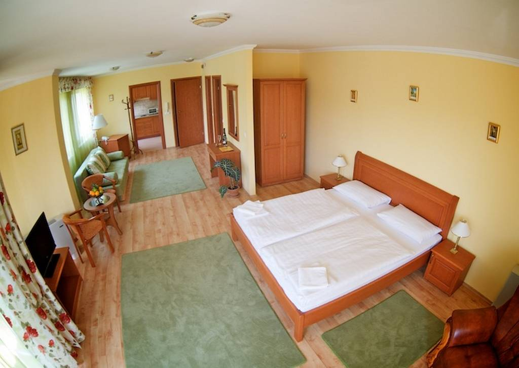 Hotel Jrja Hajdszoboszl - Csaldi apartman