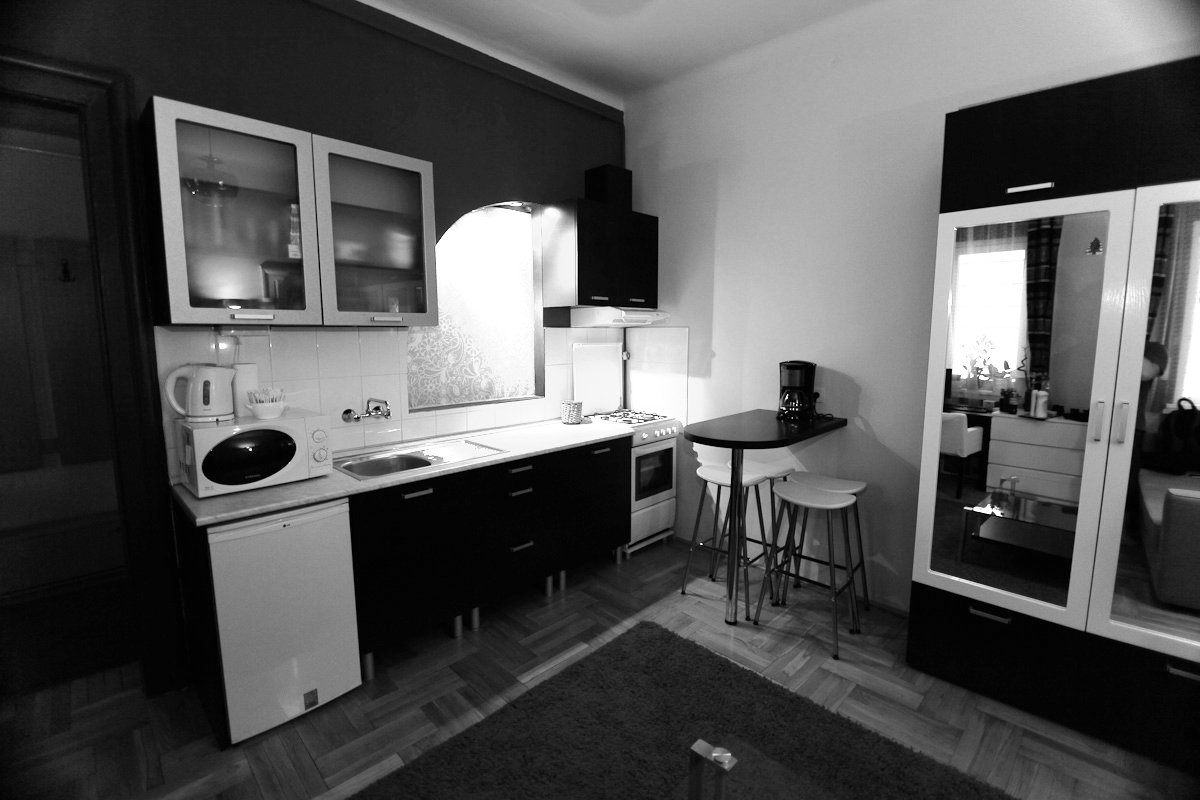 Comedy Theatre Apartman Budapest - Kitchen