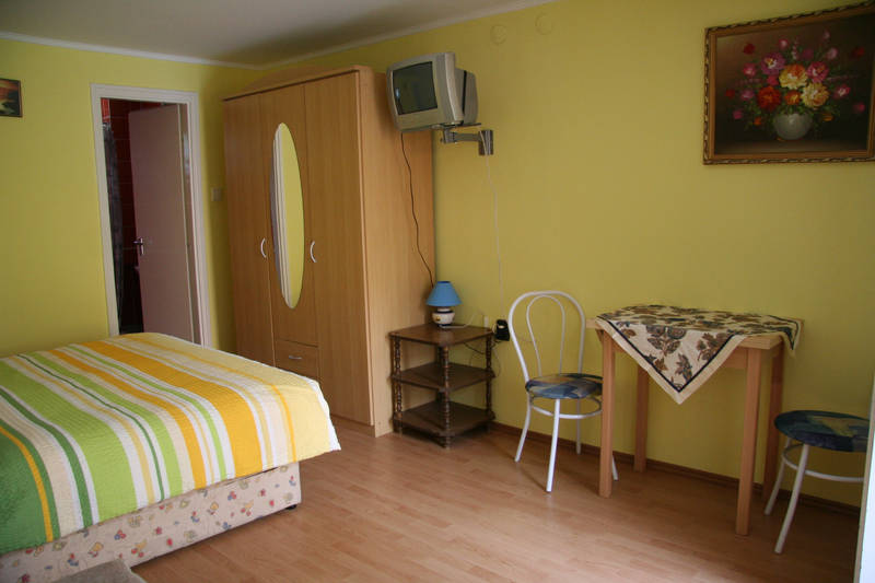 Studio fldszintes 4 fs apartman 1 hltrrel - 9a70cace-bf47-c30b-b72c-c415cf8e7995