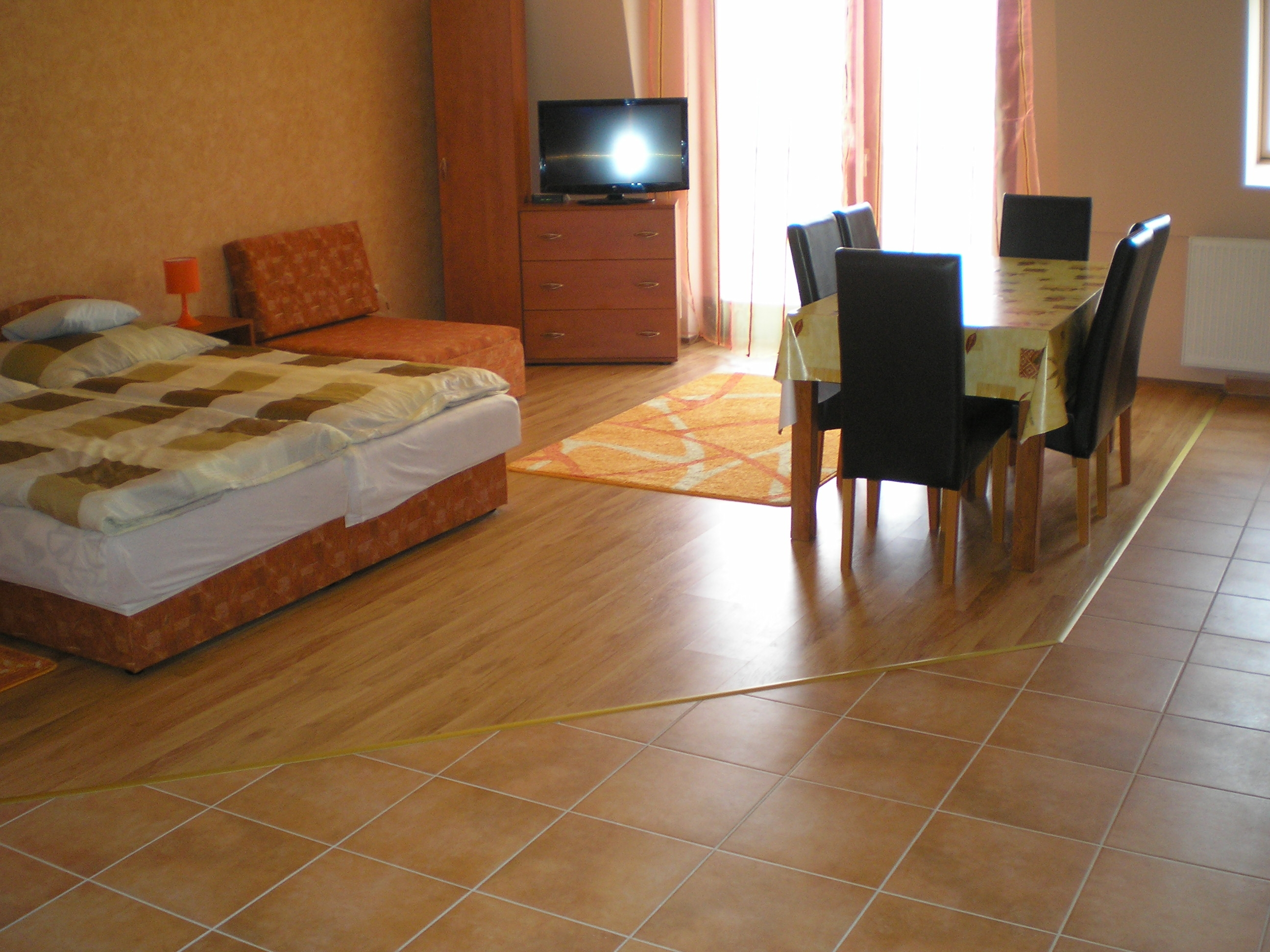 Economy family 4 fs apartman 2 hltrrel - Nappali